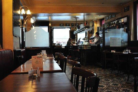 Salle du rdc picture of la grille montorgueil paris tripadvisor - Restaurant la grille paris 10 ...