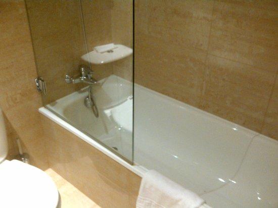 Mercure Porto Centro Hotel: salle de bain