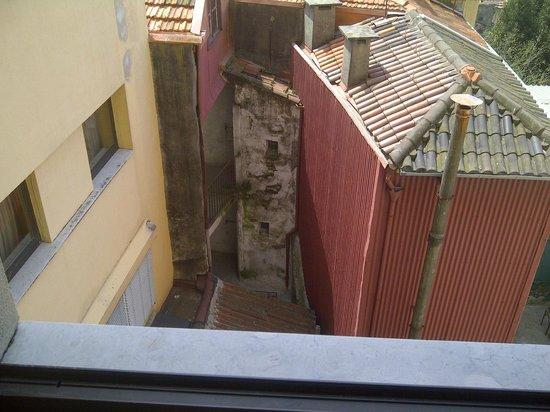 Mercure Porto Centro Hotel: vue d'en face/bas