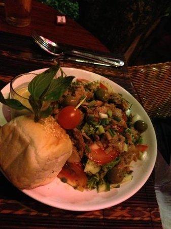 Restaurant The House, LAO FOOD and Western: Tuna salad