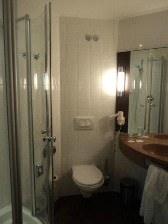 Austria Trend Hotel Salzburg Mitte: Bagno.