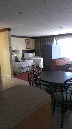 Days Inn Ocean City Oceanfront: View of the whole room