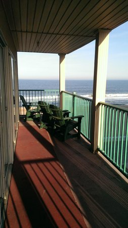 Days Inn Ocean City Oceanfront: Large Balcony