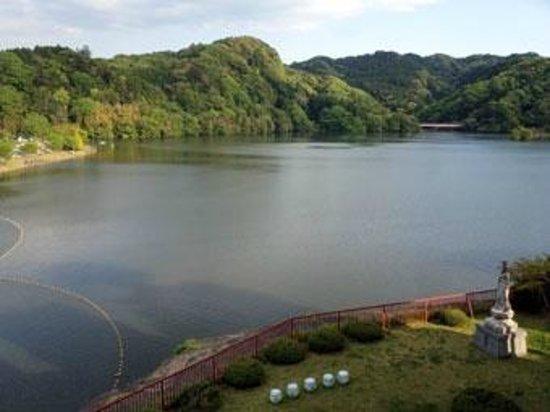 Kameyama Onsen Hotel : 亀山湖