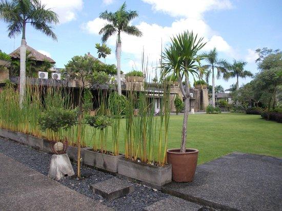 Le Grande Bali: お庭