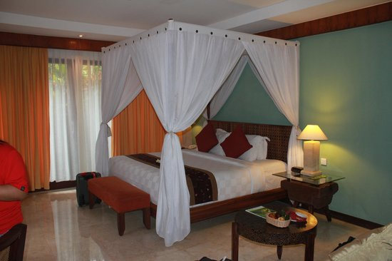 Rama Beach Resort and Villas : our comfy bed