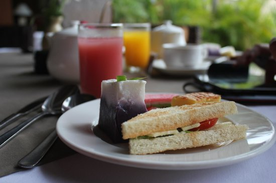 Rama Beach Resort and Villas: tea-break assortments