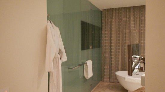 Trump International Hotel & Tower Panama: Banheiro da suite corner
