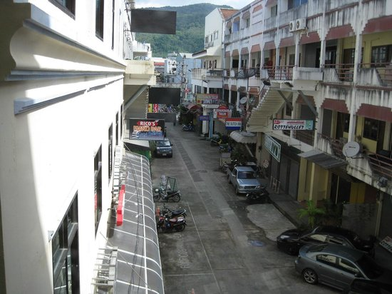 Absolute Bangla Suites: Street view from room