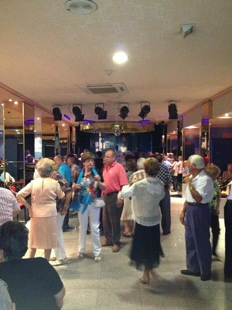 Magic Cristal Park Hotel: Saturday Night Entertainment - 50+ only!!!