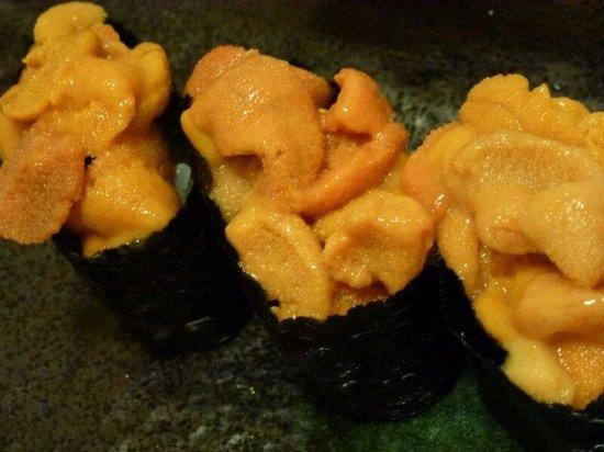 Uomasa: Sea urchin sushi