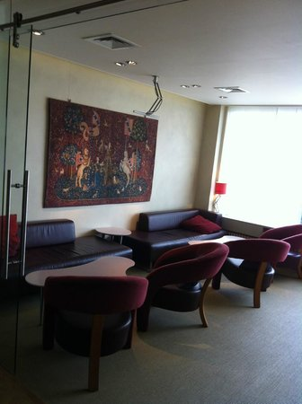 Hotel die Prince: The coffee lounge on the ground floor