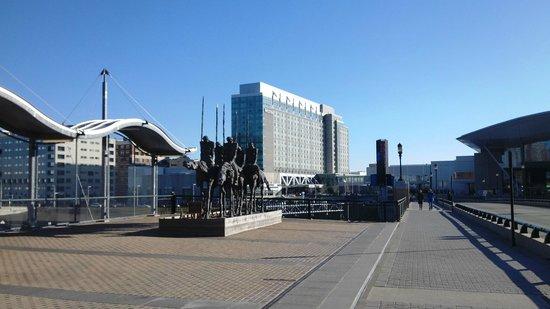 The Westin Boston Waterfront: building