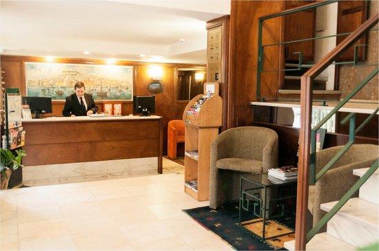 Hotel Residencial Caravela: Recepção