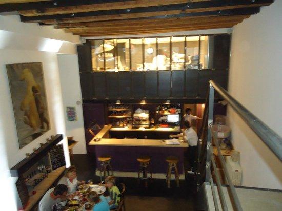 le bistrot bancal : Vue depuis la mezzanine du restaurant