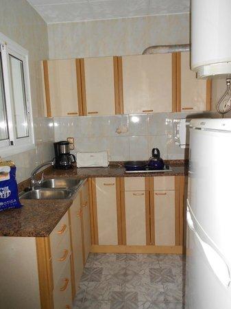 Apartamentos Europa: Kitchen