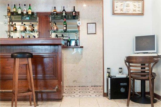 Sala De Estar Karaoke Bar ~ Bar  Sala de estar fotografía de Hotel Residencial Caravela, Lisboa