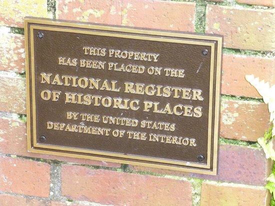 Maison de Macarty: plaque for the property