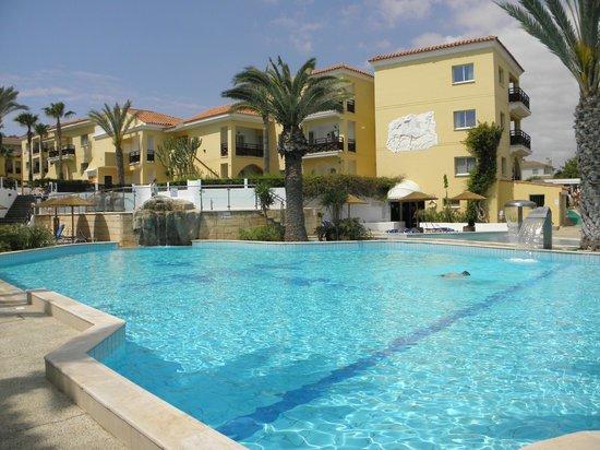 Malama Beach Holiday Village : piscine