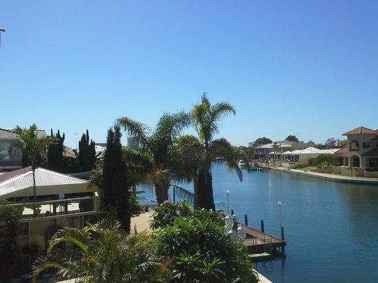 Port Mandurah Canals B&B: And another
