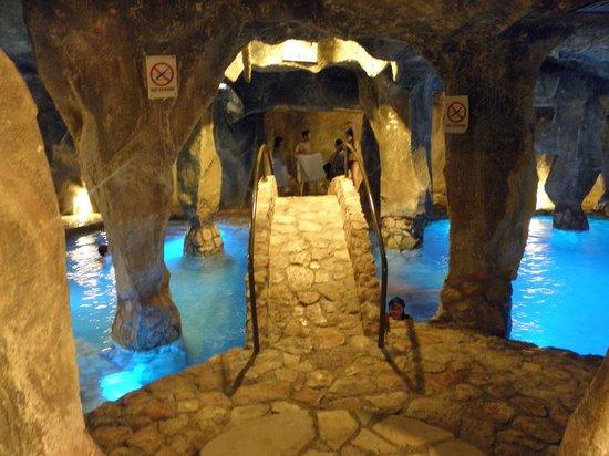 Malama Beach Holiday Village : piscine du SPA