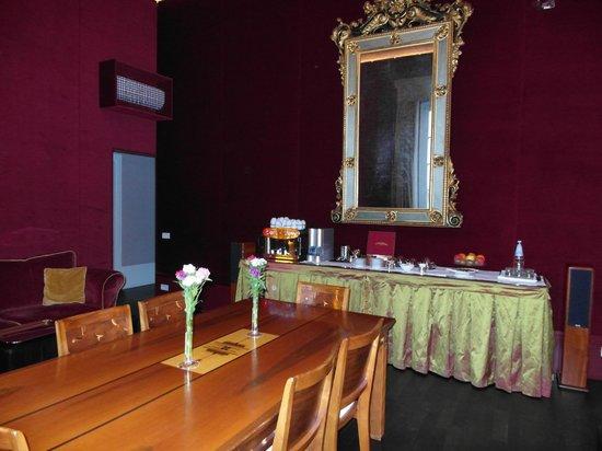 1865 ريزيدنزا ديبوكا: Breakfast /Lounge area