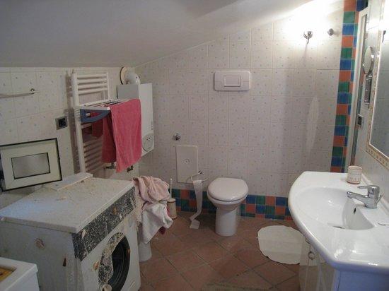 Tetto Fiorito : Salle de bains / WC / Buanderie