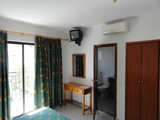 Hostal Tarba: single room
