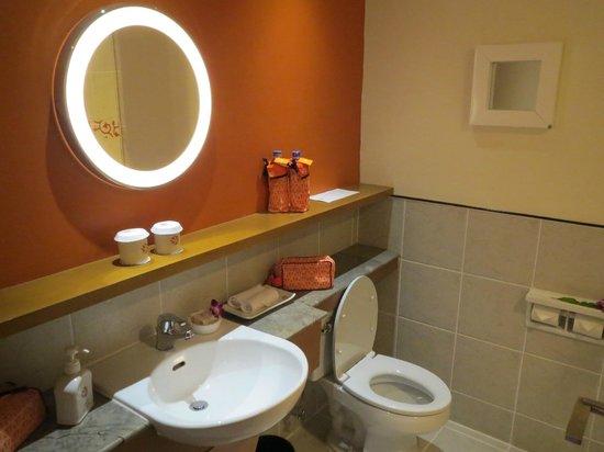 Angsana Bintan: Bathroom