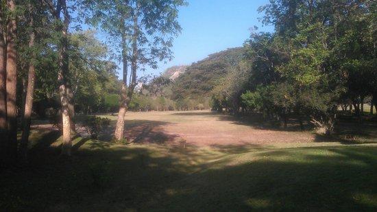 Royal Hua Hin Golf Club: Quite dry still, need the rain