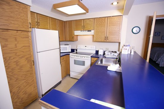 The Inn Bolton Valley & Ski Area: Suite Kitchen