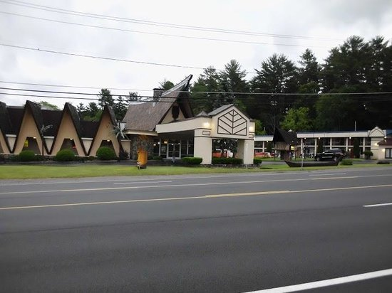The TIKI Resort Lake George NY