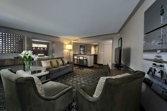 New Palace Casino Point Cadet: Newly Renovated Suite