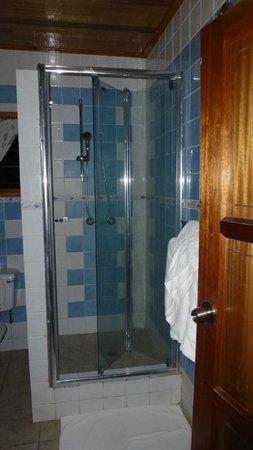 Patatran Village Hotel: Bathroom
