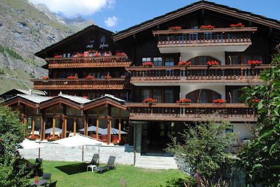 Hotel dufour alpin zermatt updated 2017 prices reviews for Design hotel zermatt