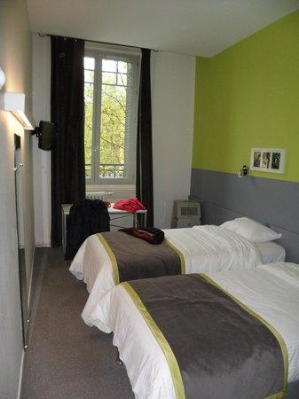 Hotel de la Croix Rousse : Bedroom