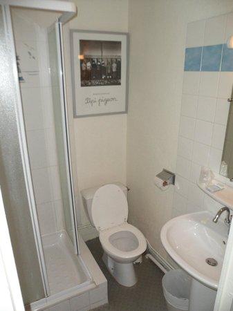 Hotel de la Croix Rousse : Bathroom
