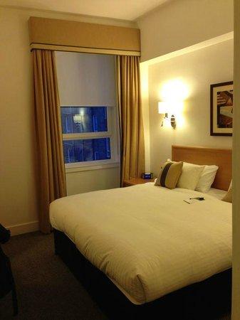 Skene House Rosemount: bedroom