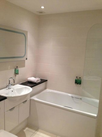 Skene House Rosemount: Bathroom