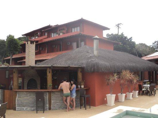 Azeda Boutique Hotel: Vista da piscina em direção aos quartos
