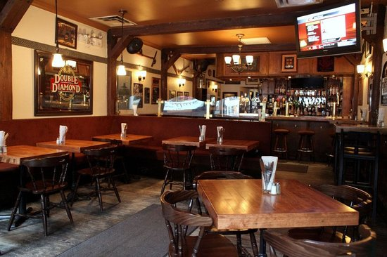 Photo of Irish Pub Ye Olde Orchard Pub & Grill at 5563 Av Monkland, Montreal H4A 1E1, Canada