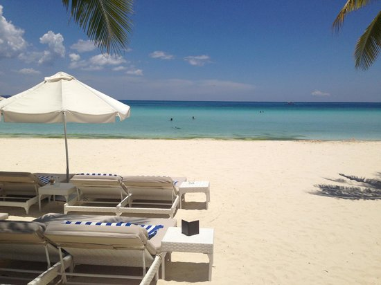 Discovery Shores Boracay: Beachfront