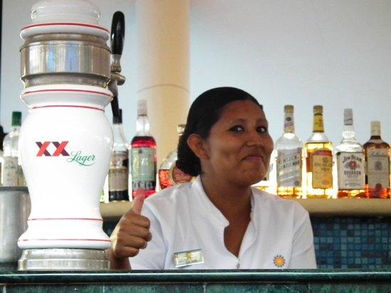 Sandos Playacar Beach Resort : chiosco/bar della piscina Adults Only