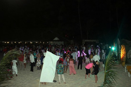 Iberostar Punta Cana: beach party