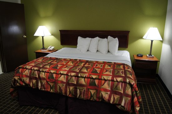 Best Western Adena Inn: King Suite 2013
