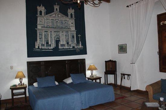 Los Almendros De San Lorenzo : Colonial Suite