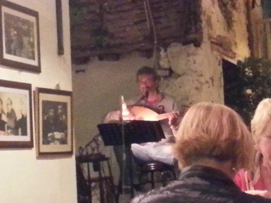 Hayta Meyhane Restaurant: live music, singer and ud player