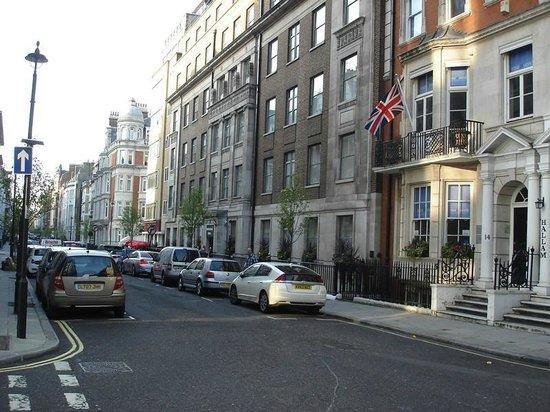 โรงแรมแอสเตอร์ คอร์ท: Hallam Street