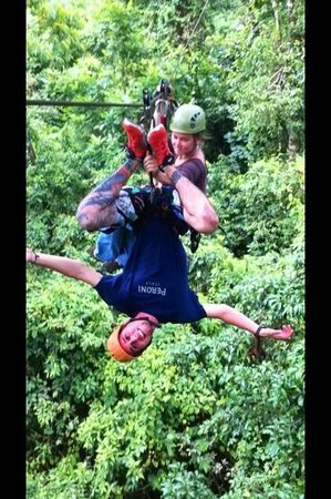 Montana de Fuego Resort & Spa Day Tours: canopy and rappelling with Malena and Christian