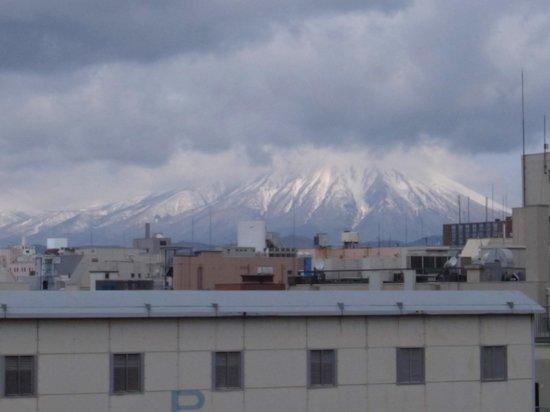 Iwate Park (Koen): 石垣から岩手山の姿が見えました